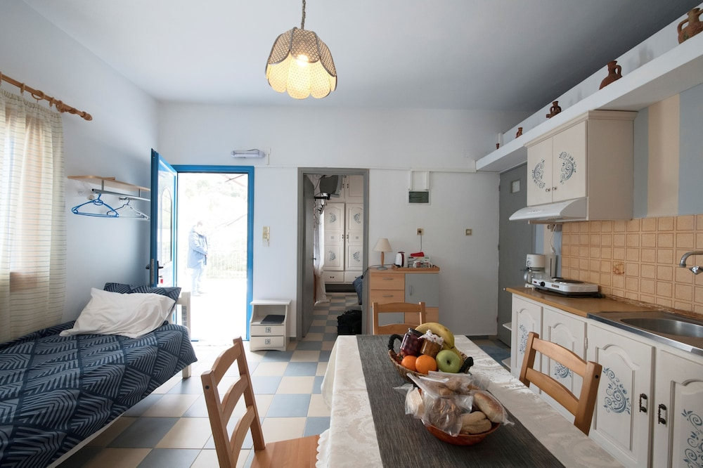 Private Kitchenette, Panorama Studios & Apartments