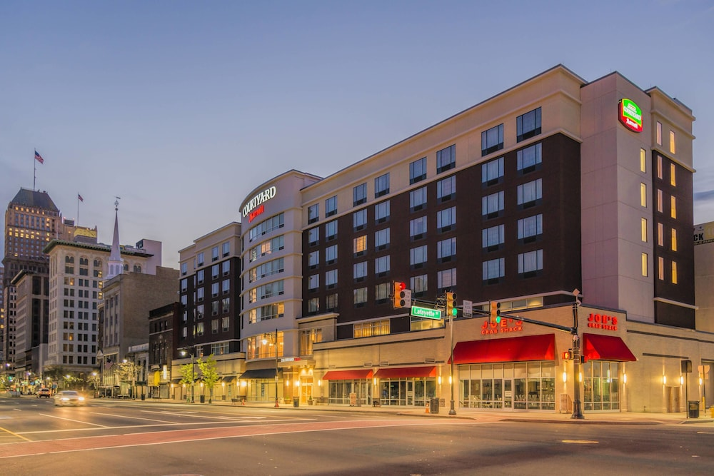 Courtyard by Marriott Newark Downtown in Newark | Hotel