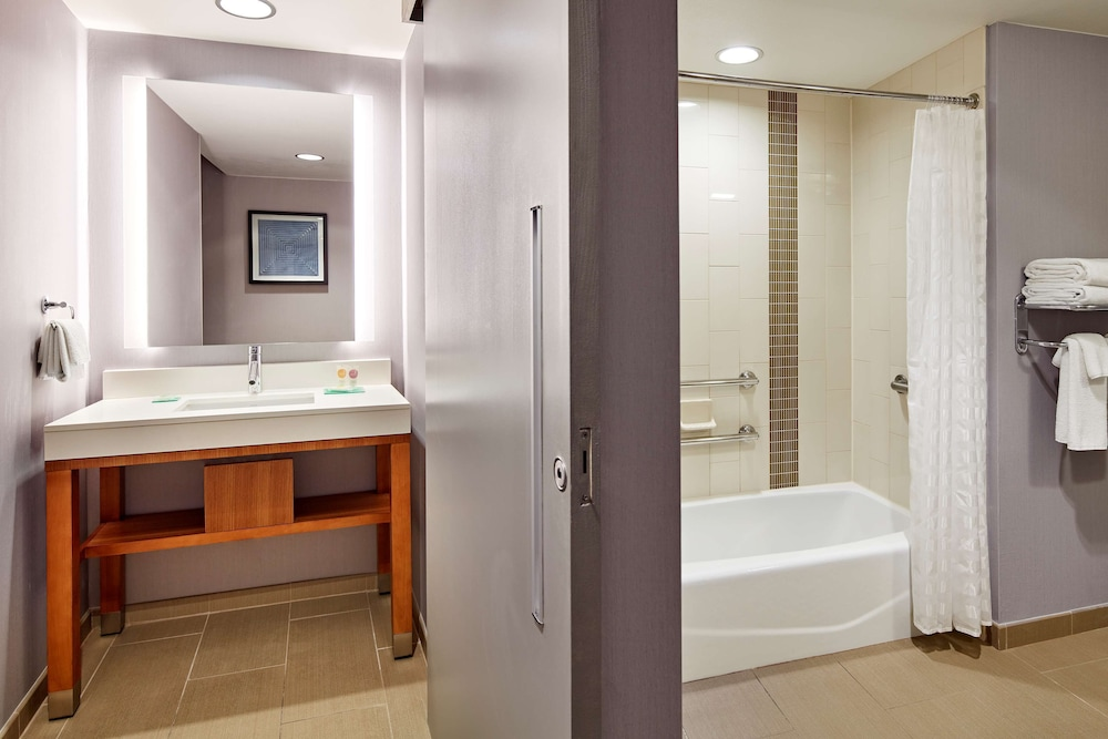 Bathroom, Hyatt Place LAX El Segundo