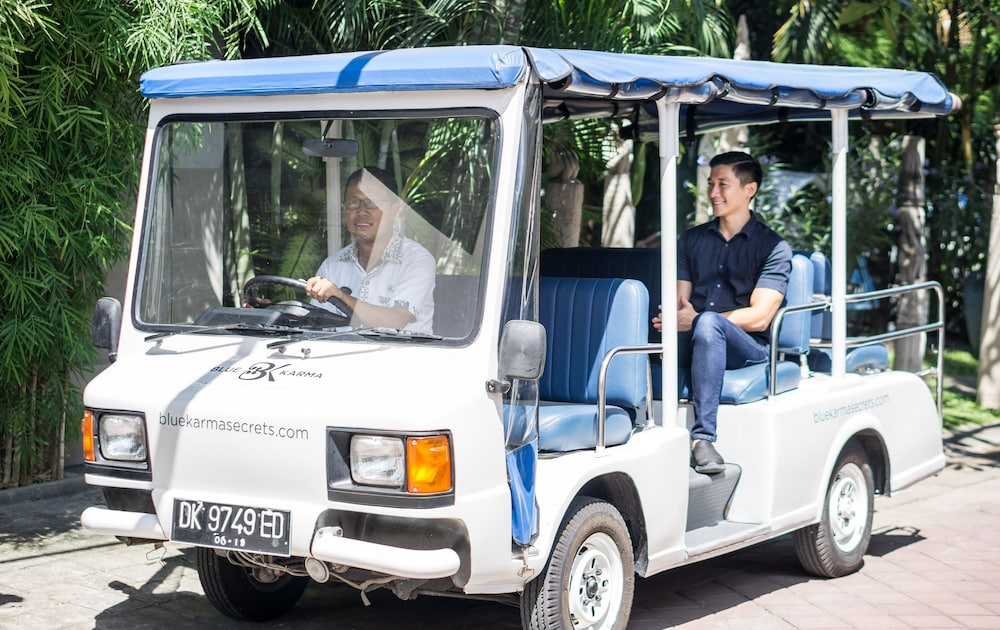 Shopping Centre Shuttle, Blue Karma Dijiwa Seminyak