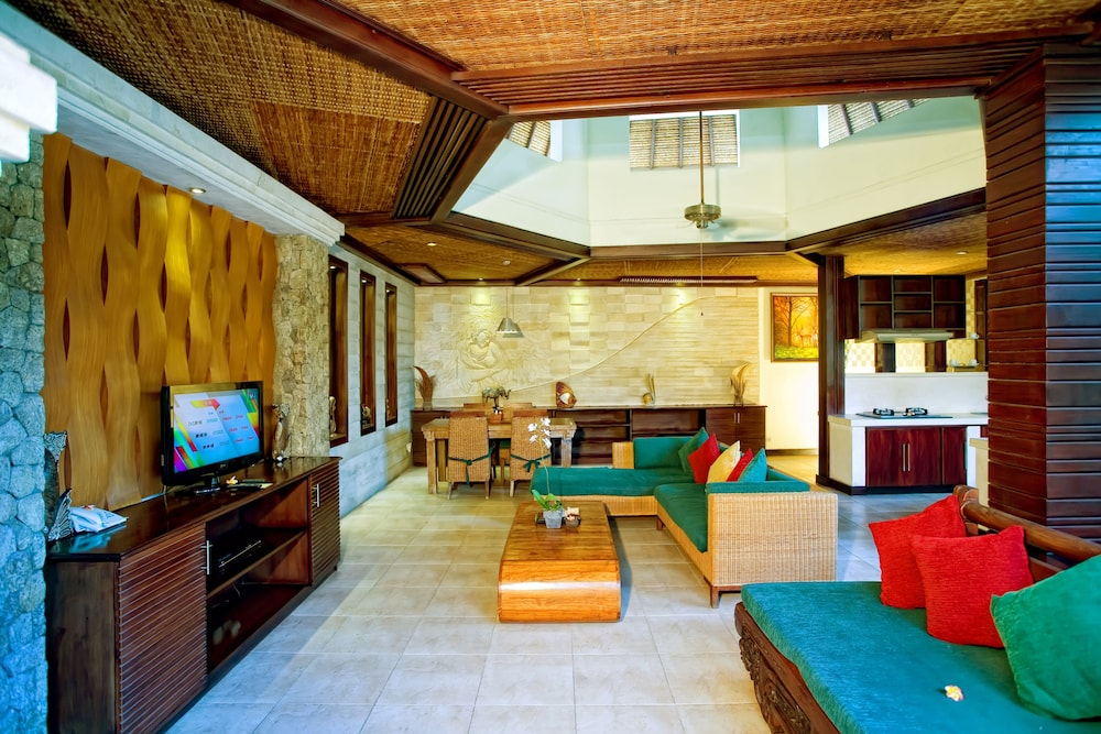 Living Area, The Bali Dream Villa Seminyak
