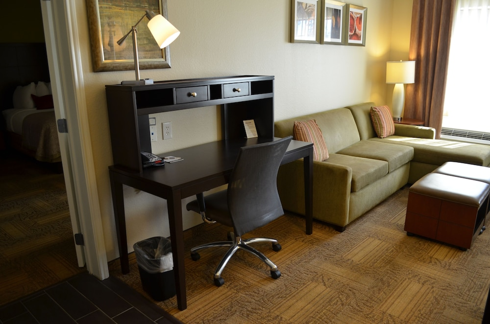 Room, Staybridge Suites Longview, an IHG Hotel