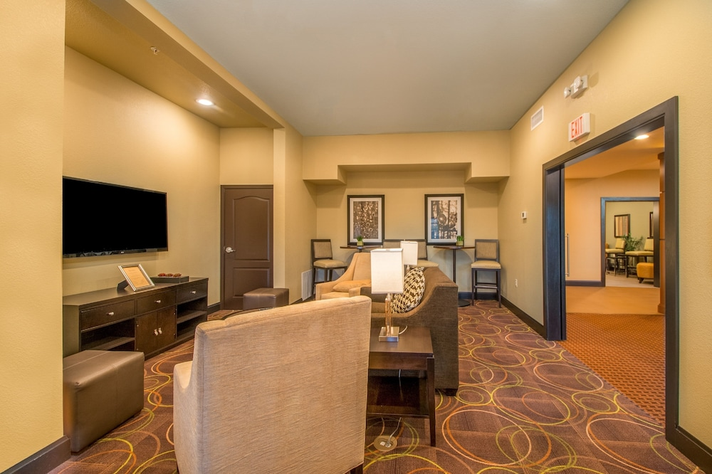 Lobby, Staybridge Suites Longview, an IHG Hotel