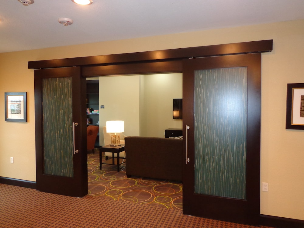 Interior, Staybridge Suites Longview, an IHG Hotel