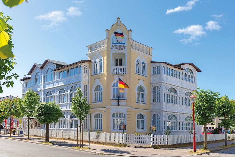 Featured Image, Hotel Deutsche Flagge