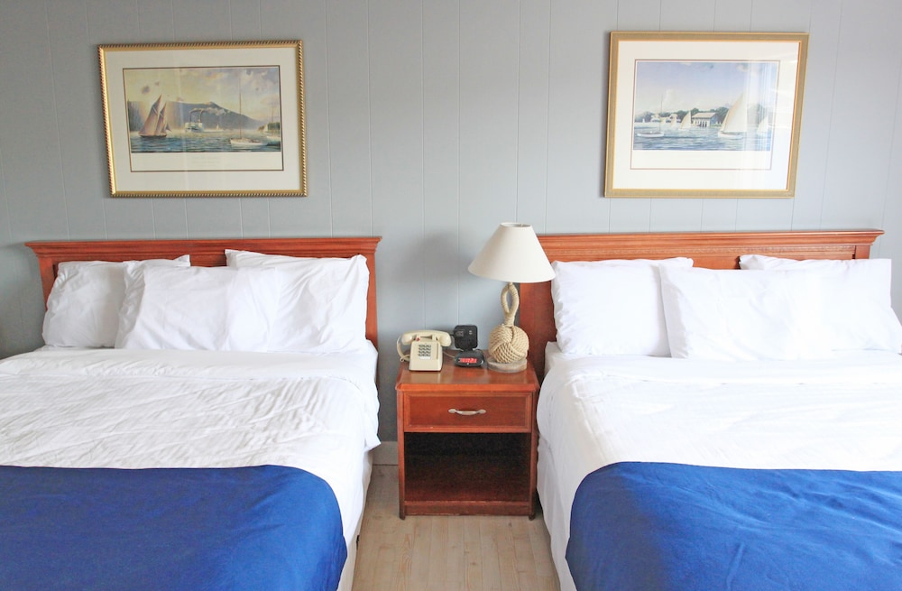 Room, Fishermans Wharf Inn