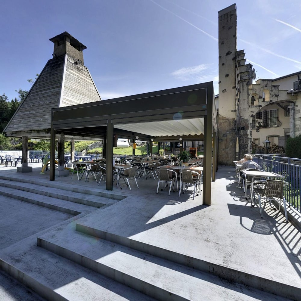 Outdoor Dining, Moulin des Truites Bleues