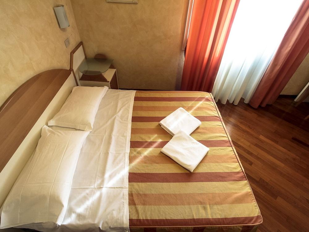 Hotel Soggiorno Athena (Pisa, ITA) | lastminute.co.nz