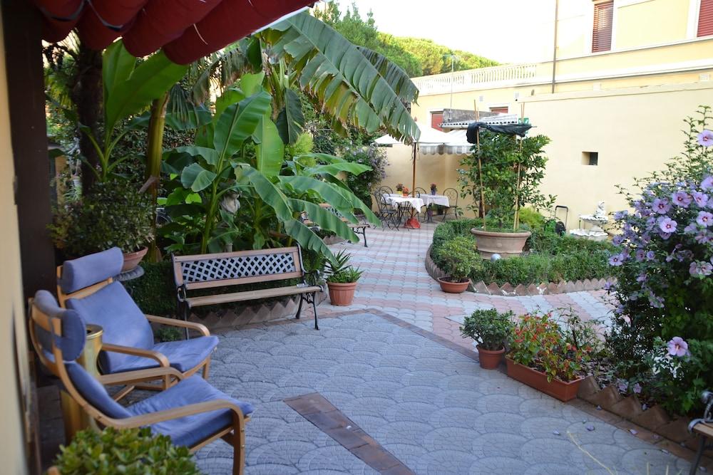 Hotel Soggiorno Athena in Pisa | Hotel Rates & Reviews on Orbitz