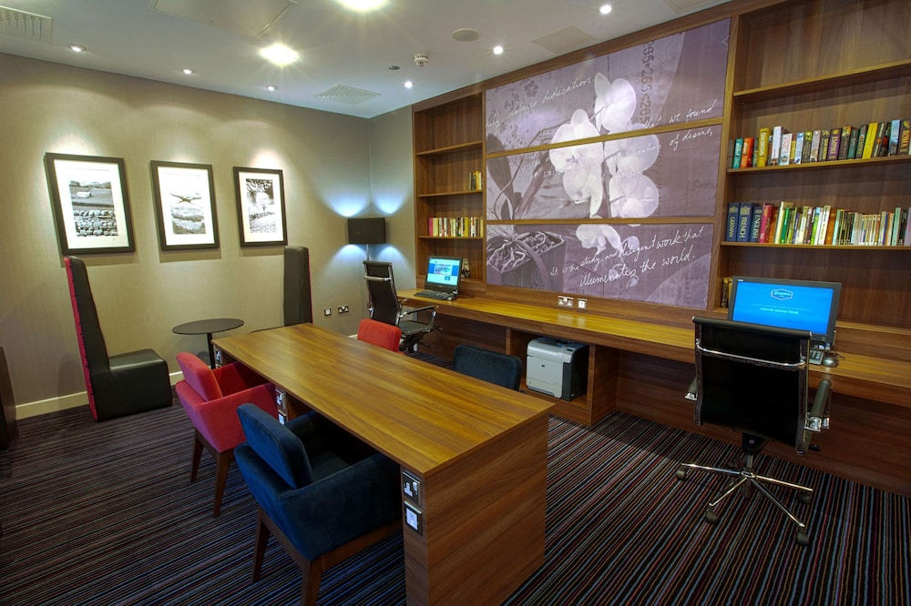 Business Center, Hampton by Hilton York