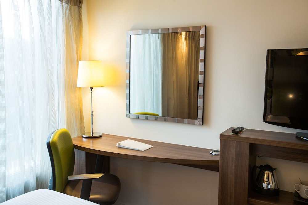 Room, Hampton by Hilton York