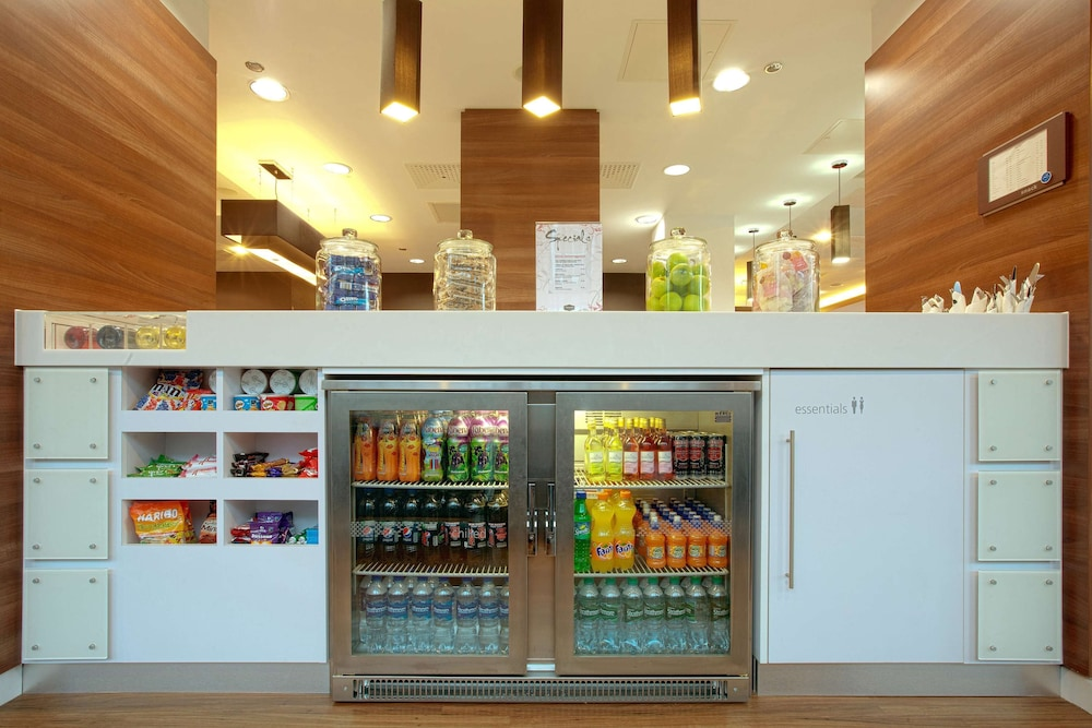 Snack Bar, Hampton by Hilton York