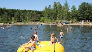 Am Strand, Wasserski, Volleyball, Angeln