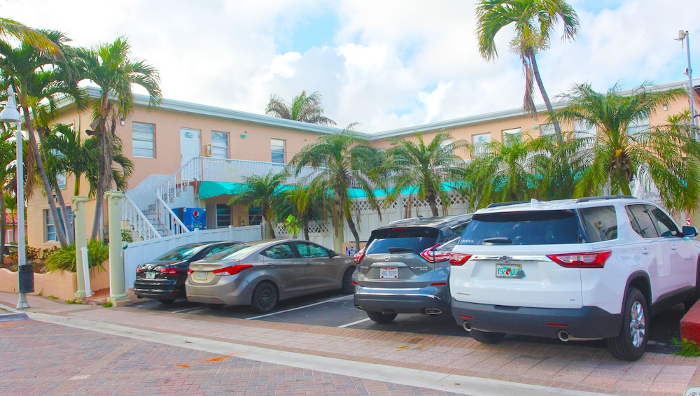 Front of Property, Hollywood Beach Blue Wave