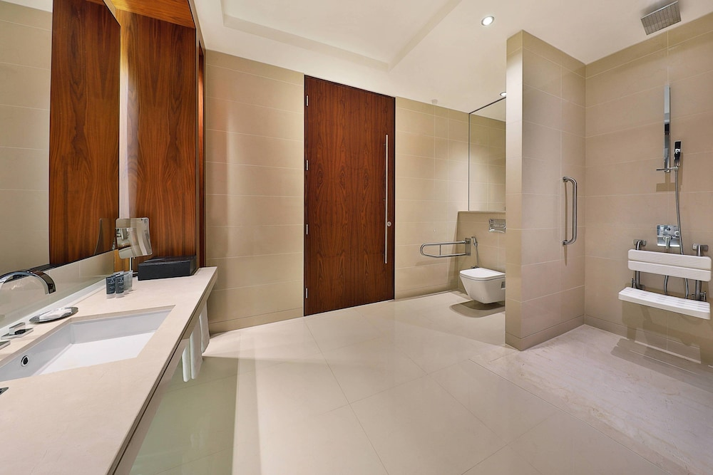 Bathroom, JW Marriott Marquis Hotel Dubai