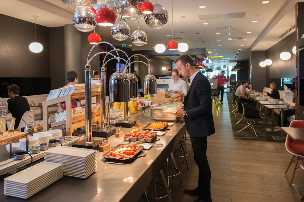 Breakfast buffet, ibis London Blackfriars
