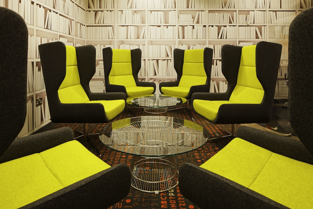 Lobby Sitting Area, ibis London Blackfriars