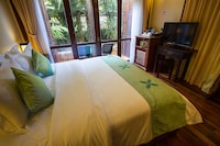 Deluxe Double Room, Pool View