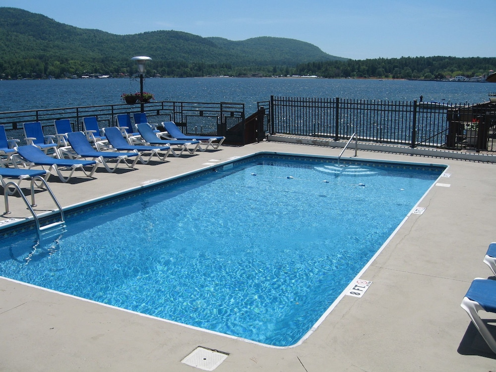 Outdoor Pool, The Lake Motel