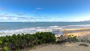 Am Strand, weißer Sandstrand, Schnorcheln