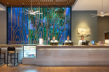 Holiday Inn Express Phuket Patong Beach Central