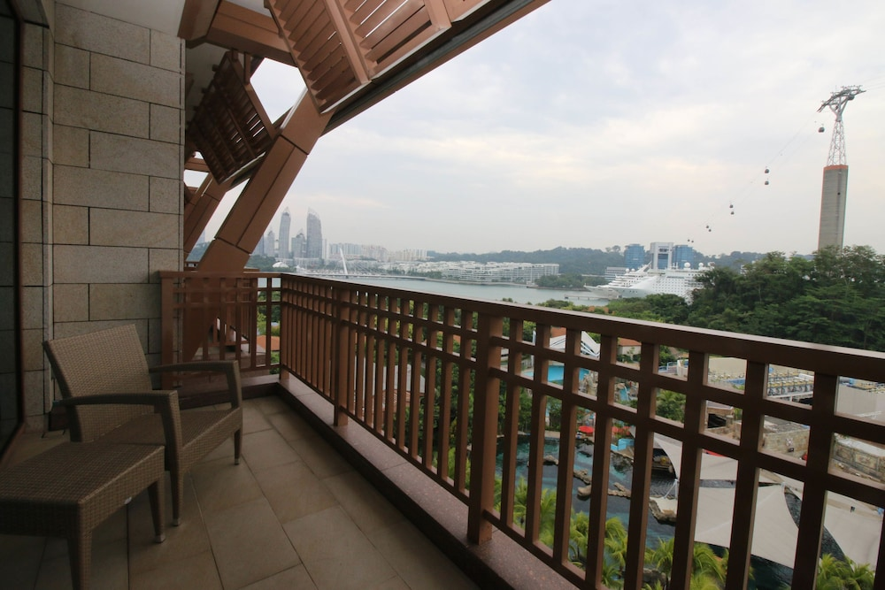Terrace/Patio, Resorts World Sentosa - Equarius Hotel