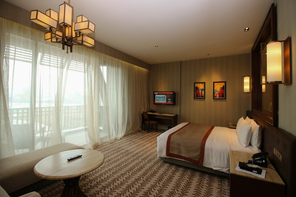 Room, Resorts World Sentosa - Equarius Hotel