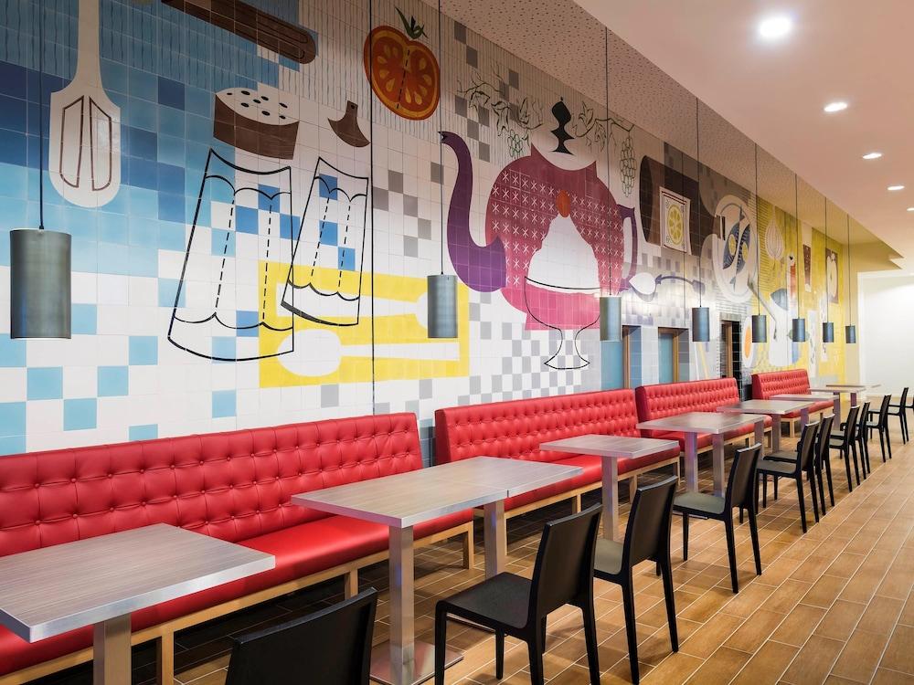 Aparthotel adagio liverpool city centre deals reviews for Adagio hotel appart
