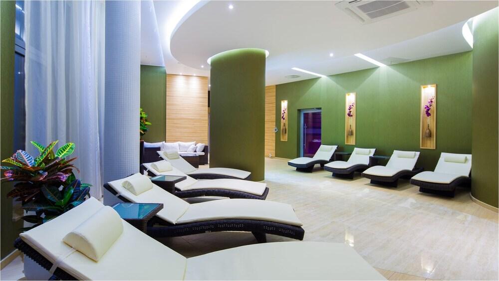 Hotel Unitral Medical Spa In Mielno