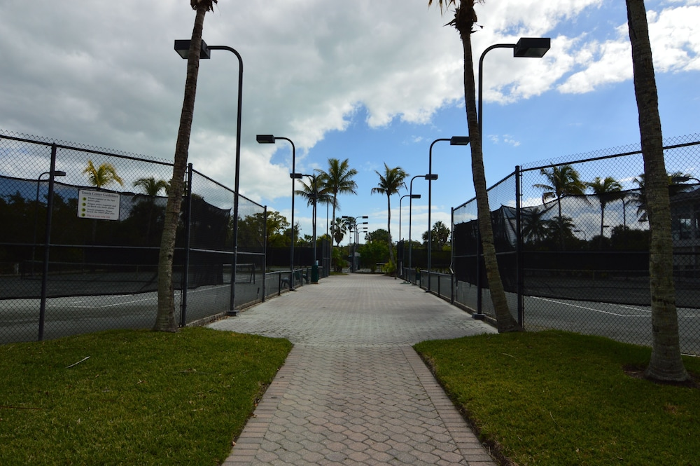 Tennis Court, Resort Harbour Properties