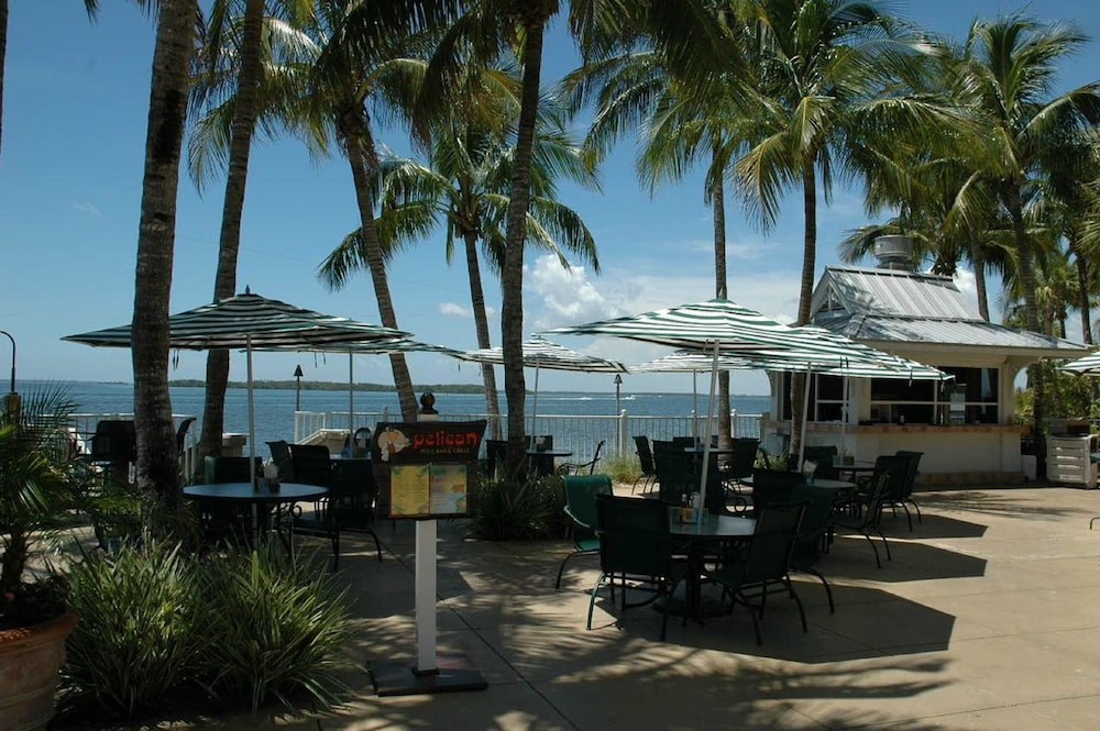 Snack Bar, Resort Harbour Properties