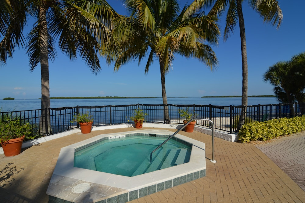 Outdoor Spa Tub, Resort Harbour Properties