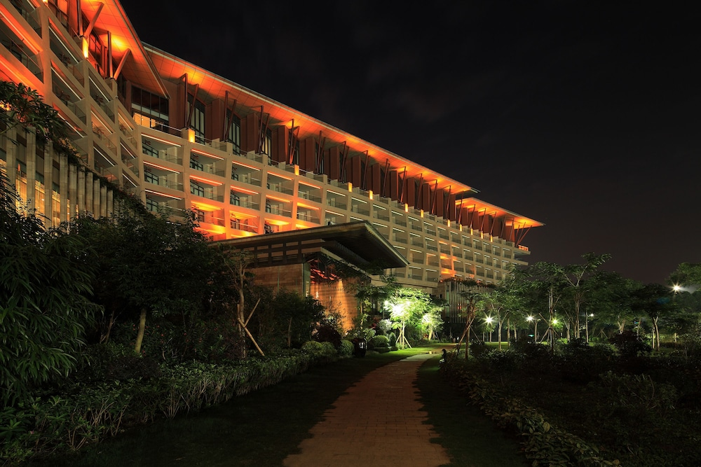 Front of Property - Evening/Night, Shenzhen Castle Hotel