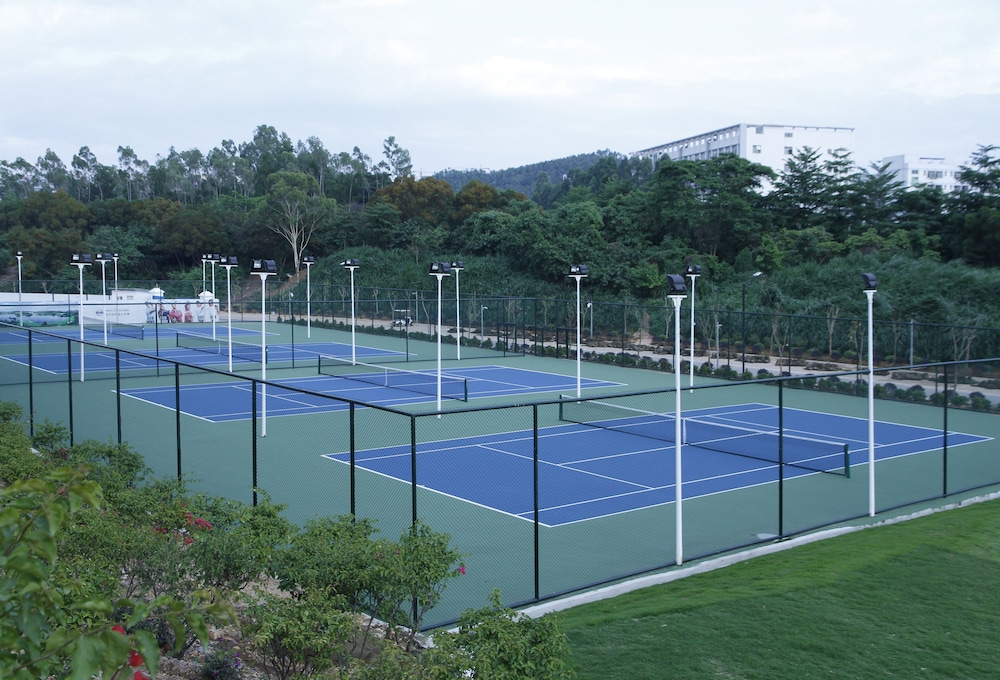 Tennis Court, Shenzhen Castle Hotel