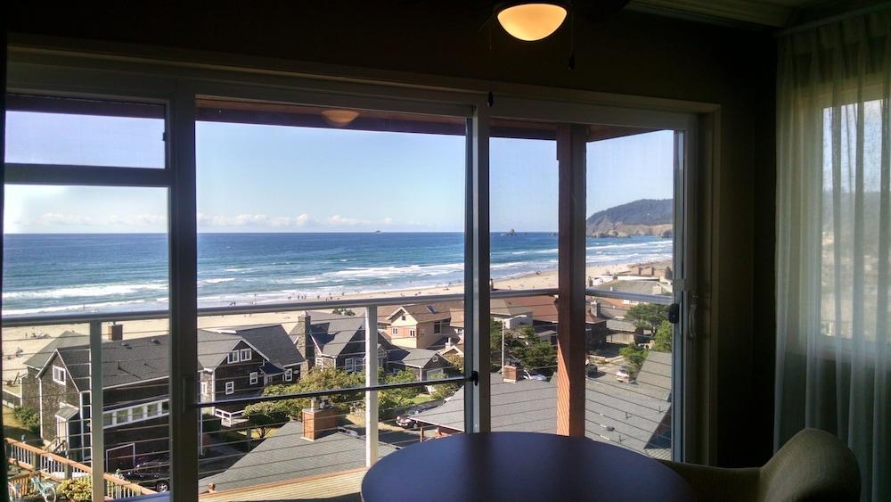 Hallmark Resort Cannon Beach 2019 Room Prices 199