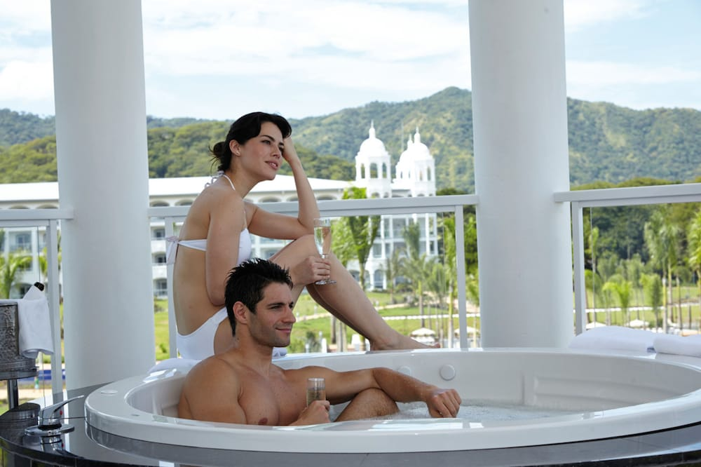 Jetted Tub, Hotel Riu Palace Costa Rica - All Inclusive