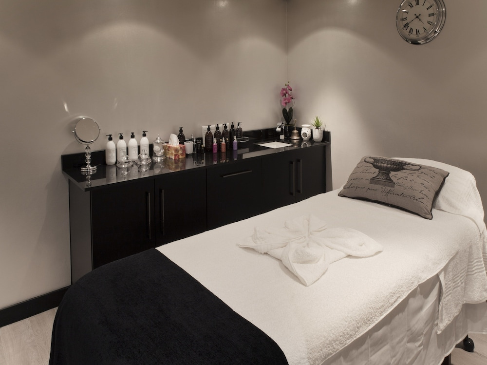 Treatment Room, The Maslow Hotel, Sandton