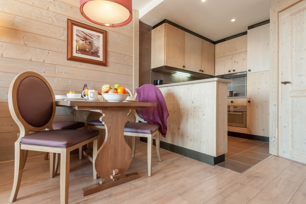 Standard 1 Bedroom Apartment for 4 people - In-Room Kitchen