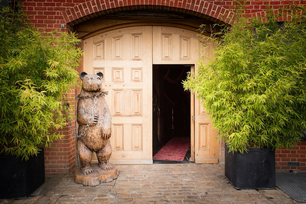 Property Entrance, The Crazy Bear Beaconsfield
