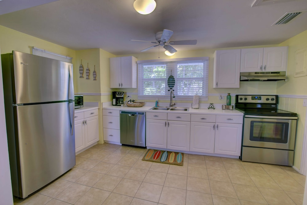 Sarasota Beach Hotels With Kitchen