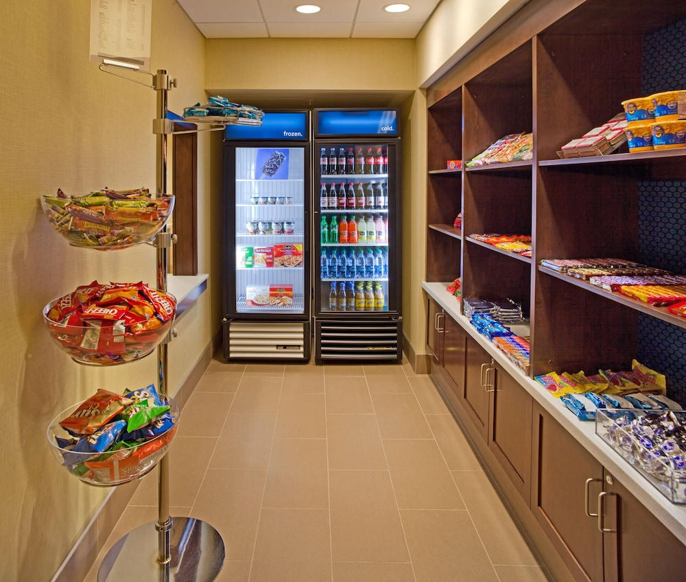Snack Bar, Hampton Inn & Suites Pittsburgh/Waterfront-West Homestead,PA