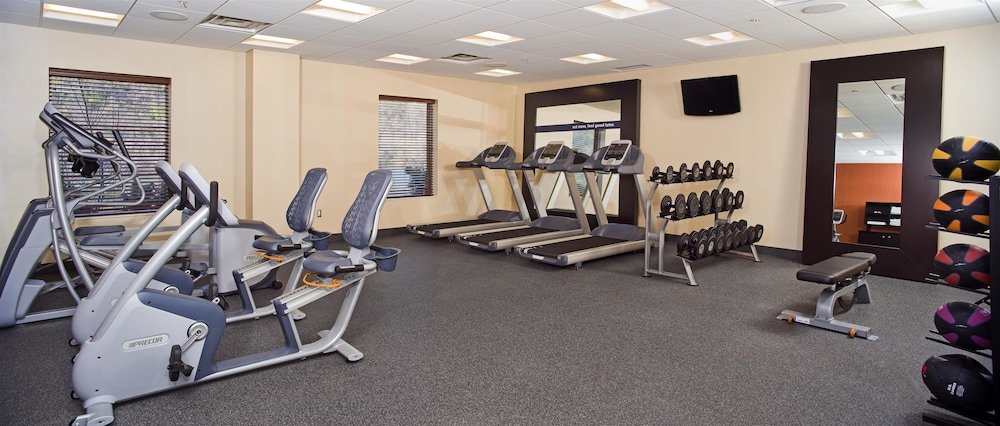 Fitness Facility, Hampton Inn & Suites Pittsburgh/Waterfront-West Homestead,PA
