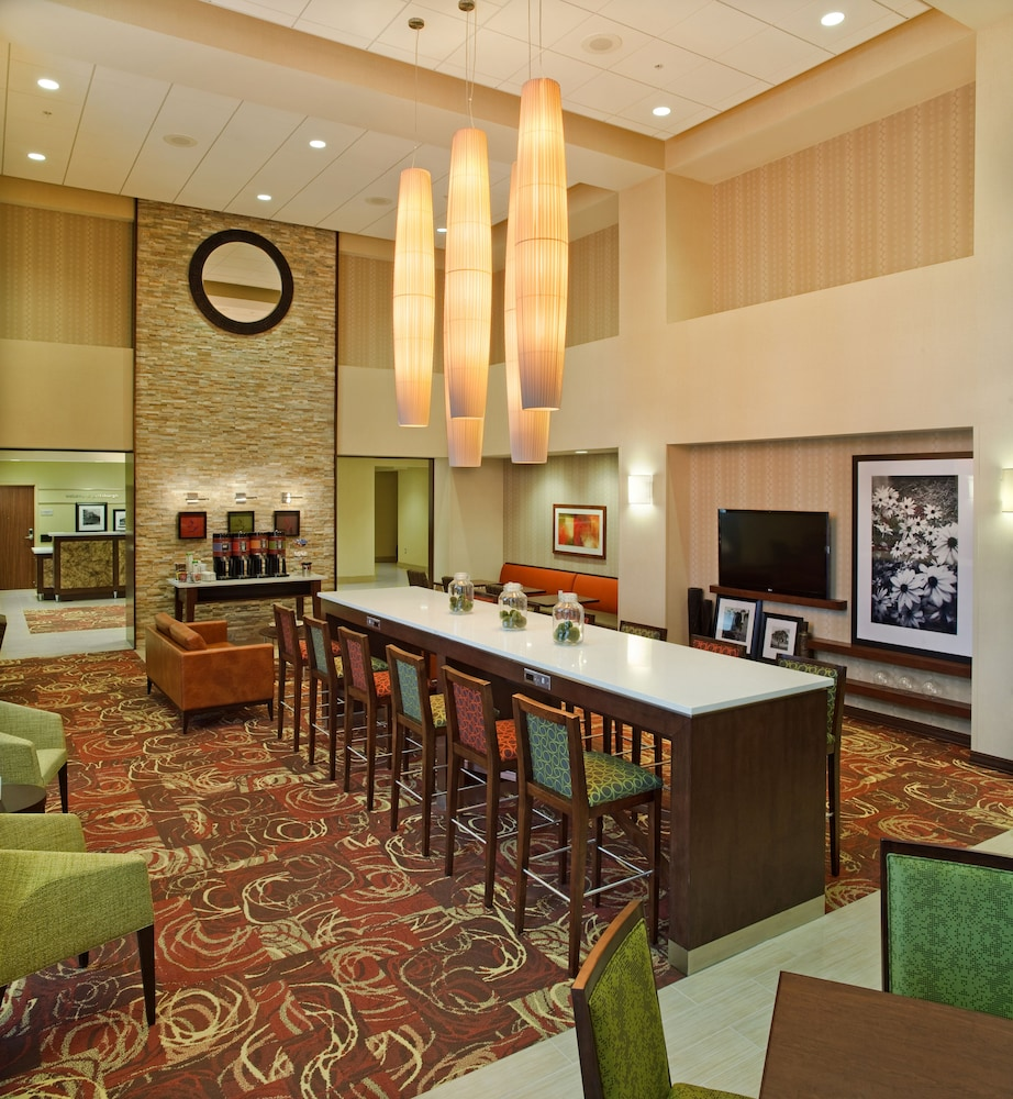 Lobby Lounge, Hampton Inn & Suites Pittsburgh/Waterfront-West Homestead,PA