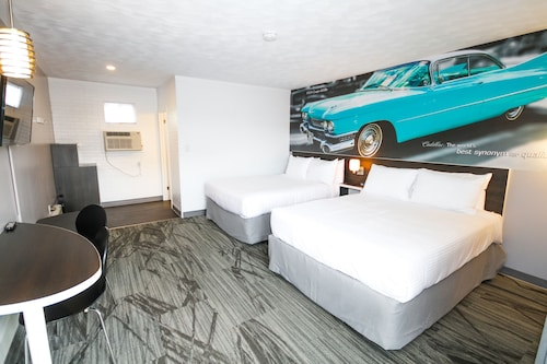 Check Expedia for Availability of Cadillac Motel
