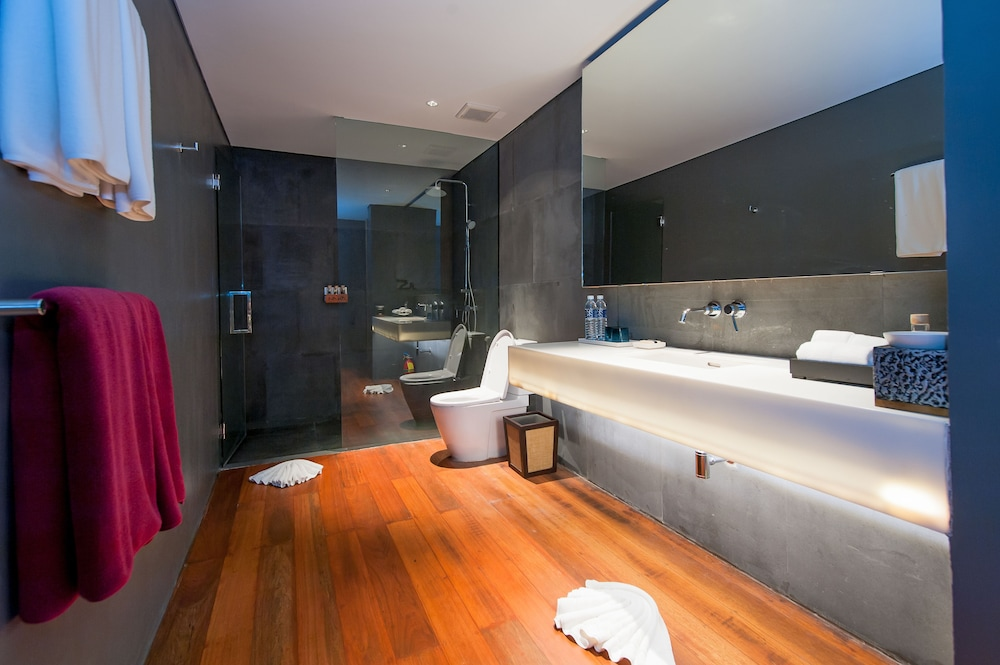 Bathroom, The Naka Phuket
