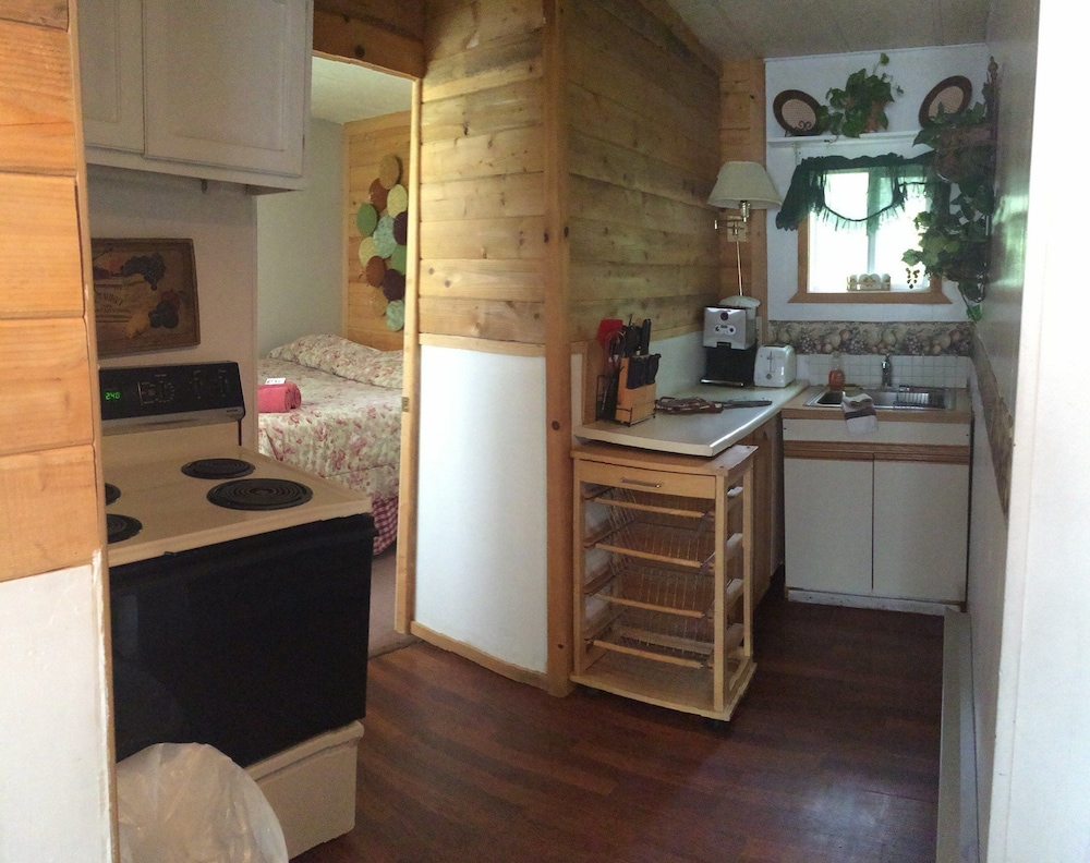Private Kitchen, Apple Creek Cottages