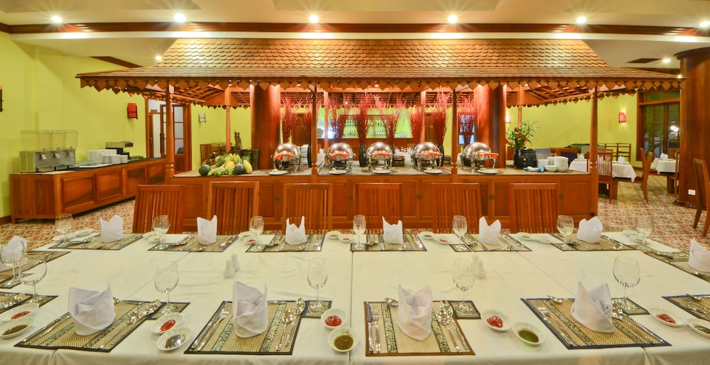 Restaurant, Royal Crown Hotel & Spa
