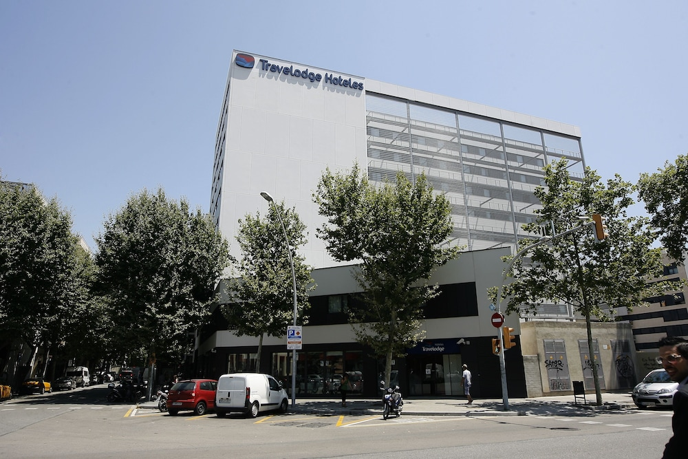 Front of Property, Travelodge Barcelona Poblenou