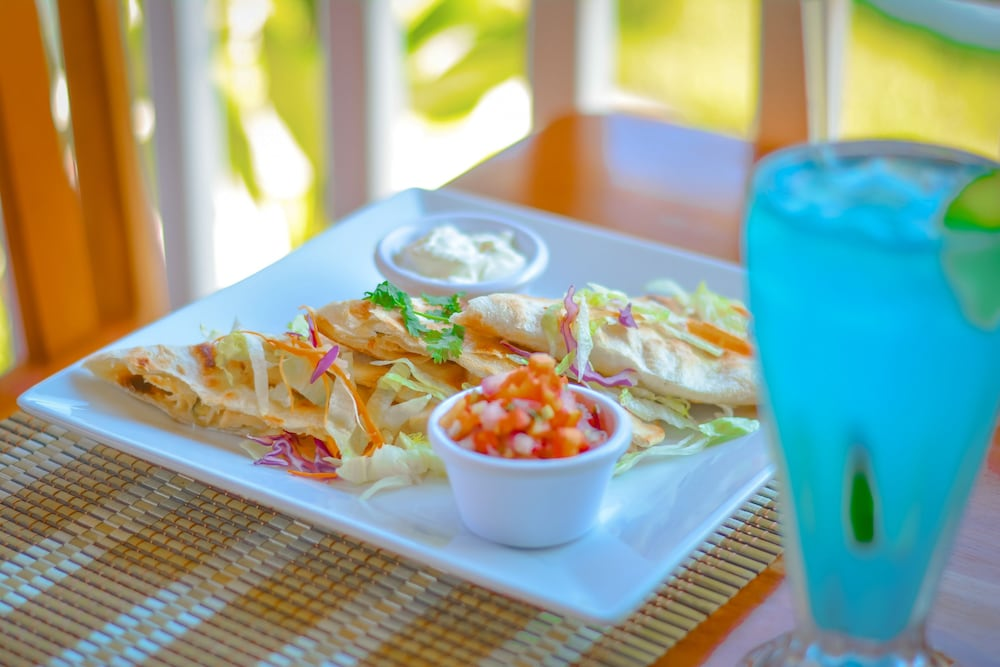 Food and Drink, Sapphire Beach Resort