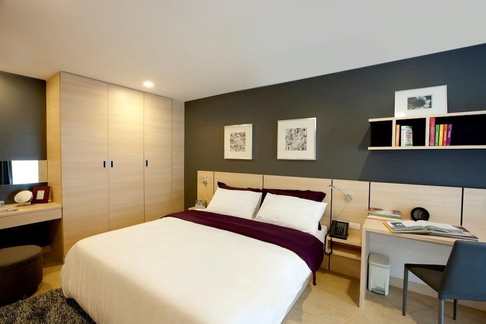 Book arize hotel sukhumvit bangkok hotel deals for Cheap bedroom suites deals